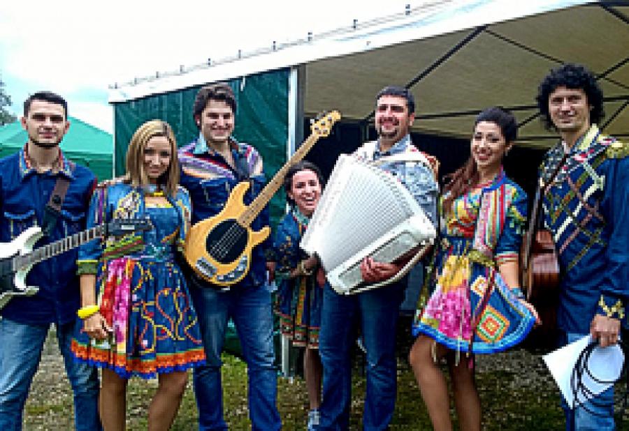 Выступление на международном фестивале в Коломенском 2015г.